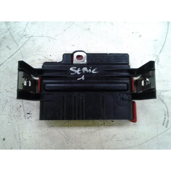 fusibles batterie bmw s rie 1 active auto. Black Bedroom Furniture Sets. Home Design Ideas